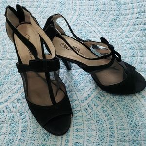 Beautiful heels. Size 10
